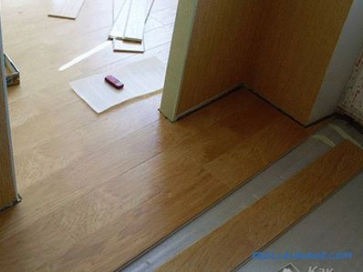 Laying laminate without thresholds - threshold-free installation