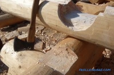 How to cut a log house with your own hands: features