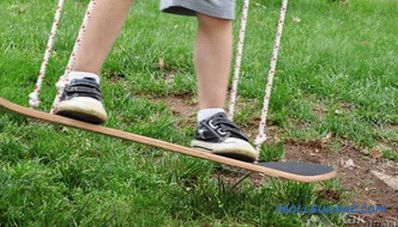 Swings in the country with their own hands