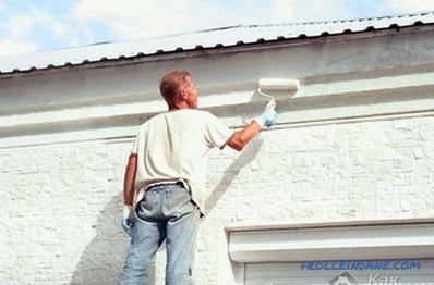 Painting the facade of the house with their own hands
