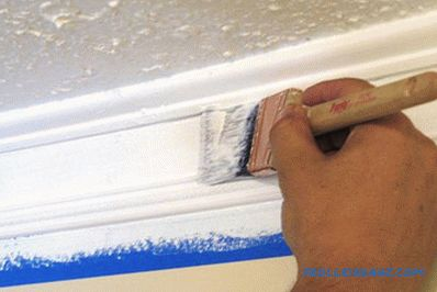 How to paint the ceiling plinth - the technology of painting the plinth