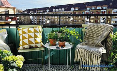 How to make a balcony of the apartment with your own hands (inside and outside) + photo