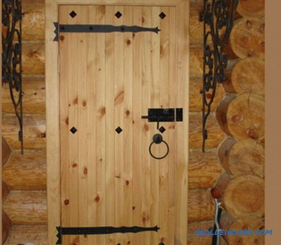 Do-it-yourself wooden entrance doors: how to make