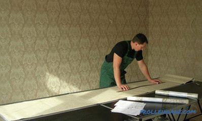 How to glue non-woven wallpaper correctly and efficiently + Video