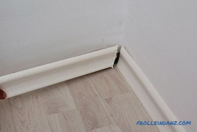 How to install a plinth: plastic, MDF or wooden