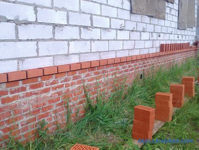 How to impose a house facing brick